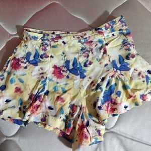 Floral high waisted shorts
